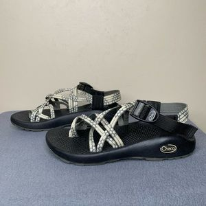 Chaco Women's Gray and Cream Sandals Size 7